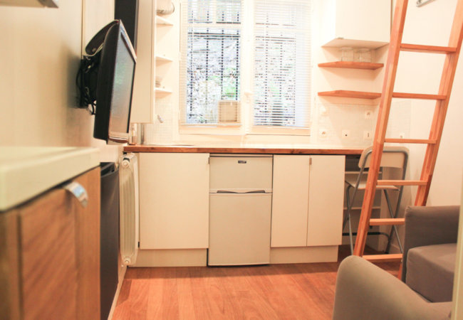 Renovation and space optimisation of a tiny studio flat